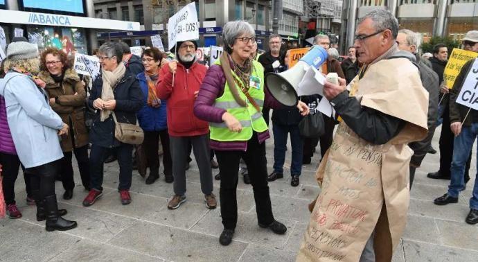 Concentración de jubilados para exigir una pensión digna, el pasado sábado en A Coruña